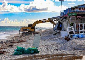 Limpieza en playa de Bávaro